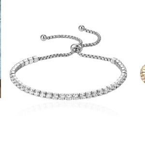 The Styled Collection Madison Pull Bracelet